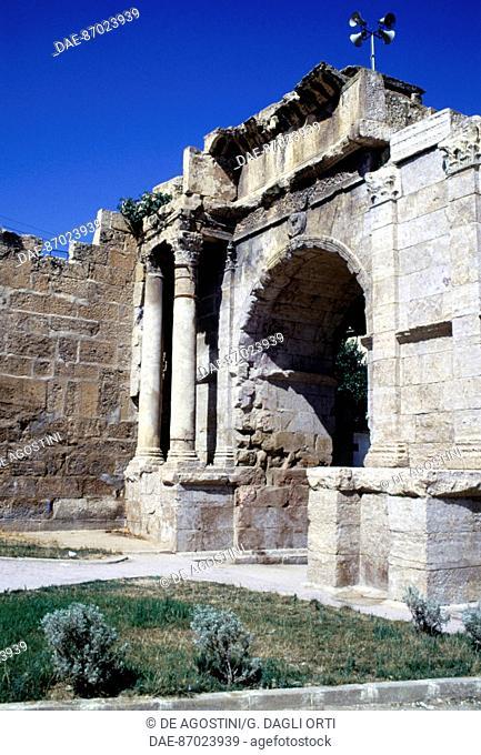 The Arch of Caracalla, 211-214 AD, ancient Roman city of Theveste, today Tebessa, Algeria. Roman civilisation, 3rd century AD