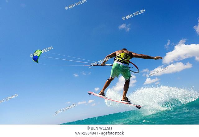 Kitesurfing; Tarifa, Costa de la Luz, Cadiz, Andalusia, Spain