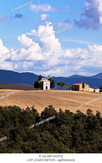 Italy, Tuscany, San Quirico d'Orcia. Vitaleta church and farmhouse in the Val d'Orcia