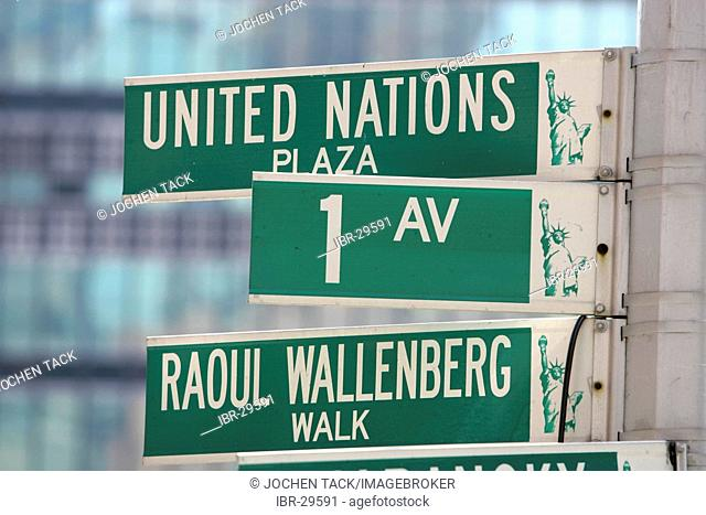 USA, United States of America, New York City: Street sign of First Avenue and United Nations