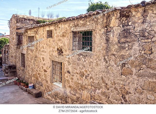 Antiguas ventanas enrejadas. Mombeltrán. Barranco de las cinco villas. Valle del Tiétar. Provincia de Ávila, Castile-Leon, Spain