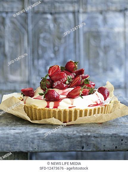 Strawberry ice cream pie