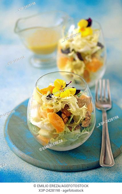 Escarole salad with tangerines
