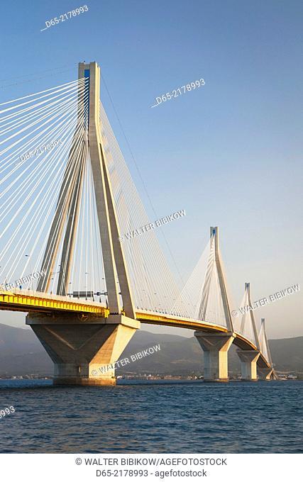 Greece, Peloponese Region, Gulf of Corinth, Patra-area, Rio Antirio Bridge, dawn