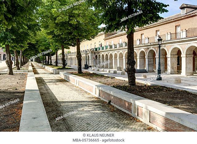 Arcades with Palacio Real, king's palace, Aranjuez, Spain, Europe