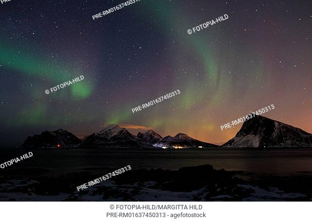 Looking from Flagstadøya near Myrland to Haukland on Vestvågøya, Lofoten, Nordland, Norway, March 2017 / Blick von Flagstadøya bei Myrland auf Haukland auf...