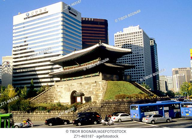 Namdaemun (Sungnyemun) South Gate. Seoul. South Korea