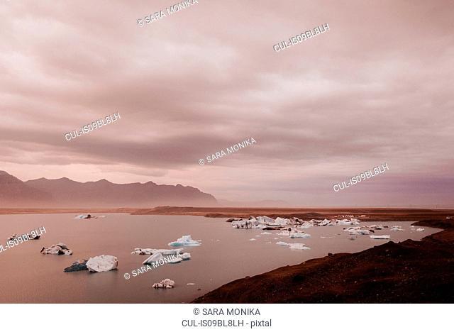 Jökulsárlón glacial lagoon, Reykjavík, Gullbringusysla, Iceland