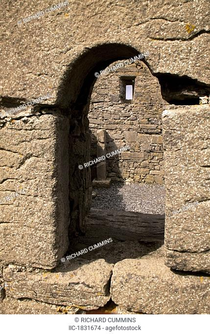 Cillenne Church, Inishmore, Aran Islands, County Galway, Ireland, Archway of historic church