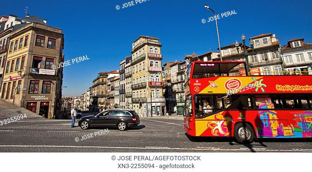 Tourist Bus, Praça Almeida Garrett, Square Almeida Garret, Porto, Portugal, Europe