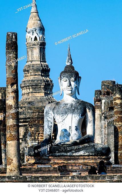 Asia. Thailand, Sukhothai, old capital of Siam. Sukhothai archaeological Park, classified UNESCO World Heritage. Wat Mahathat. Buddha statue