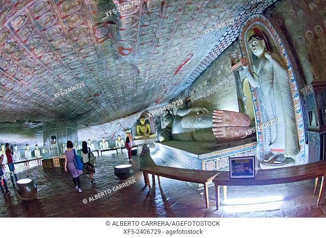 Golden Temple of Dambulla, Dambulla Cave Temple, UNESCO World Heritage Site, Kandy Province, Sri Lanka, Asia