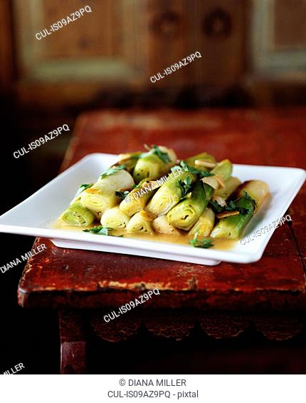Leeks with garlic and coriander