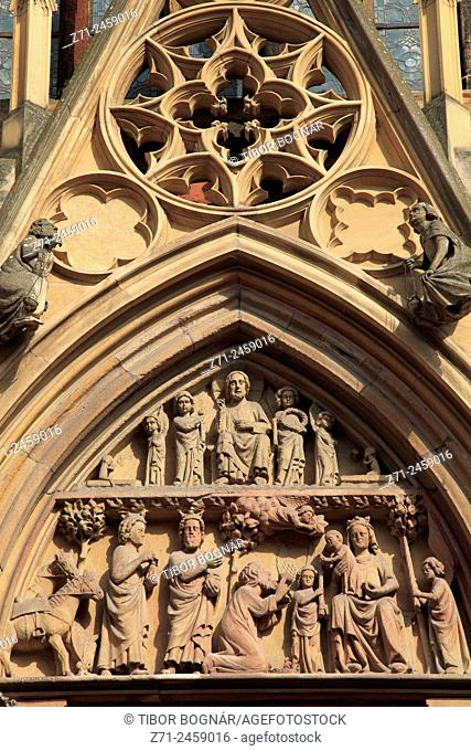 France, Alsace, Colmar, Collégiale St-Martin, cathedral