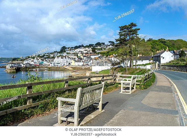 View over the scenic coastline of the fishing village St. Mawes at the Cornish Coast near Falmouth, Cornwall, England, UK