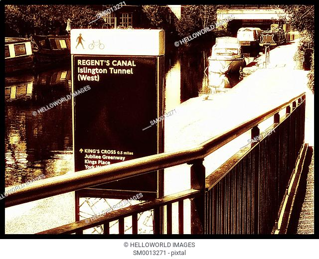 Information sign next to the Regent's Canal, Islington, London, England, Europe