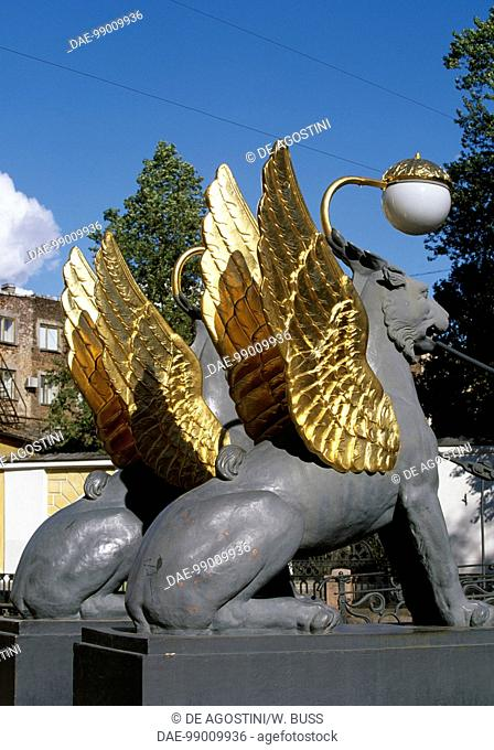 Griffins with gilded wings, statues by Pavel Sokolov (1764-1835), Bank Bridge or Griffin Bridge over the Griboedov Canal