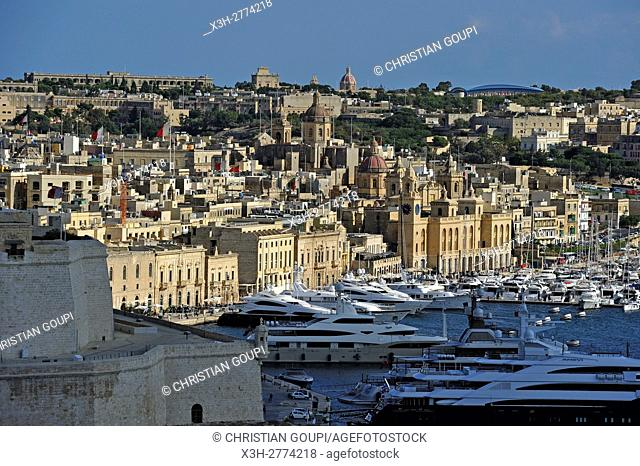 Birgu's Marina (Vittoriosa) with Fort St. Angelo in the foreground, Three Cities, Malta, Southern Europe