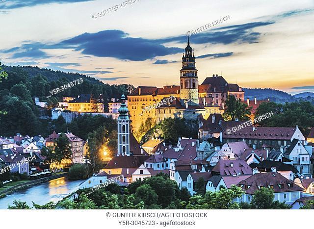 View of the old town of Cesky Krumlov, the Castle Cesky Krumlov, St. Jost church and the River Vltava in Bohemia in the evening, Jihocesky Kraj, Czech Republic