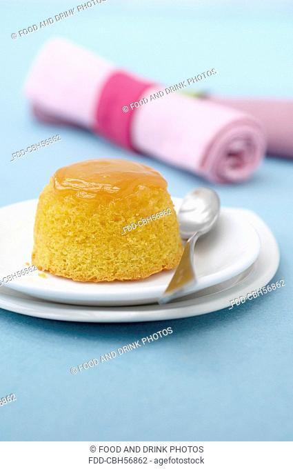 Caramel sponge cake