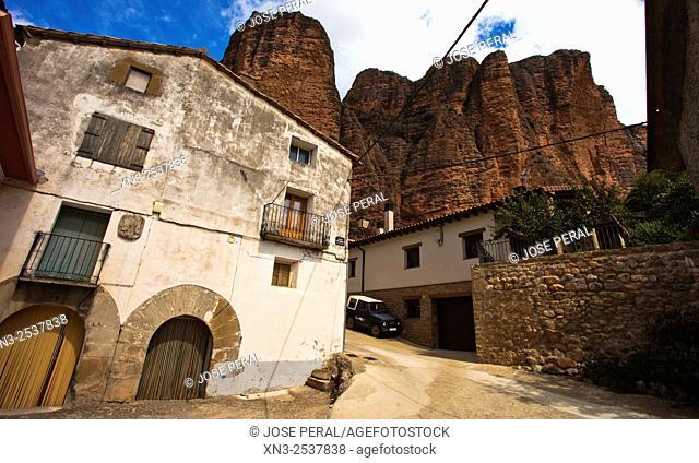 Mallos de Riglos, Riglos Village, La Hoya, Huesca, Aragón, Spain, Europe
