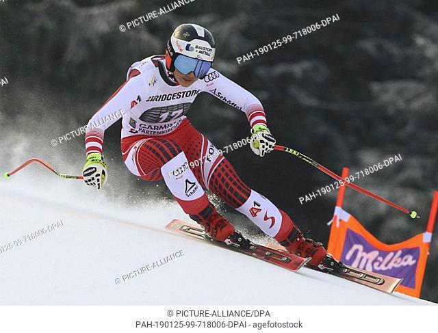 25 January 2019, Bavaria, Garmisch-Partenkirchen: Alpine skiing, World Cup, downhill training, ladies. Stephanie Vernier from Austria in action