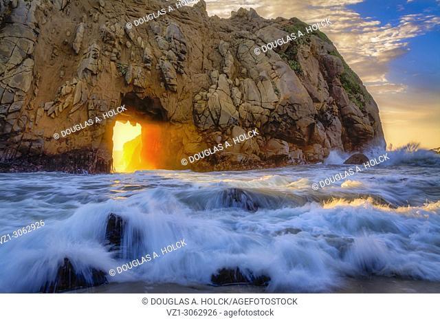 Pfeiffer Beach Keyhole Flash of Light