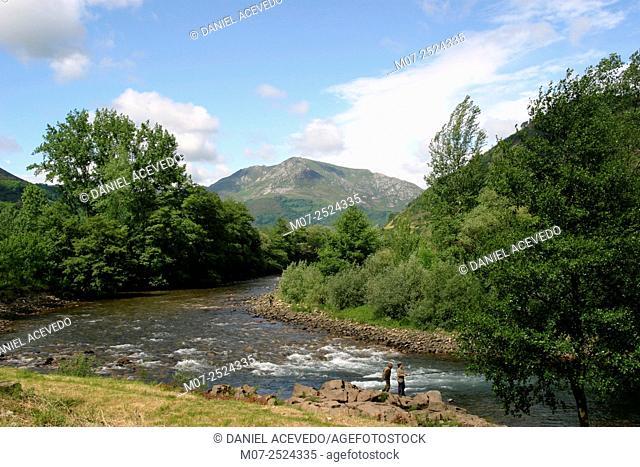 Pigüeña river, Somiedo National Park, Asturias, Spain, Europe