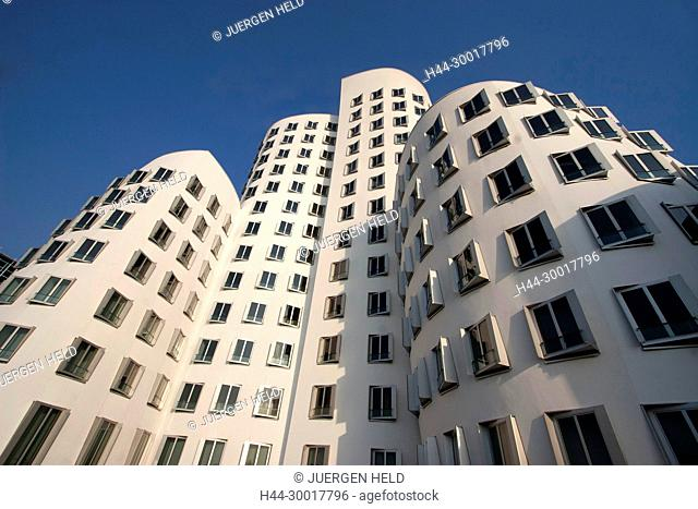 Germany, Duesseldorf, North Rhine-Westphalia, futuristic building by architect Frank O Gehry