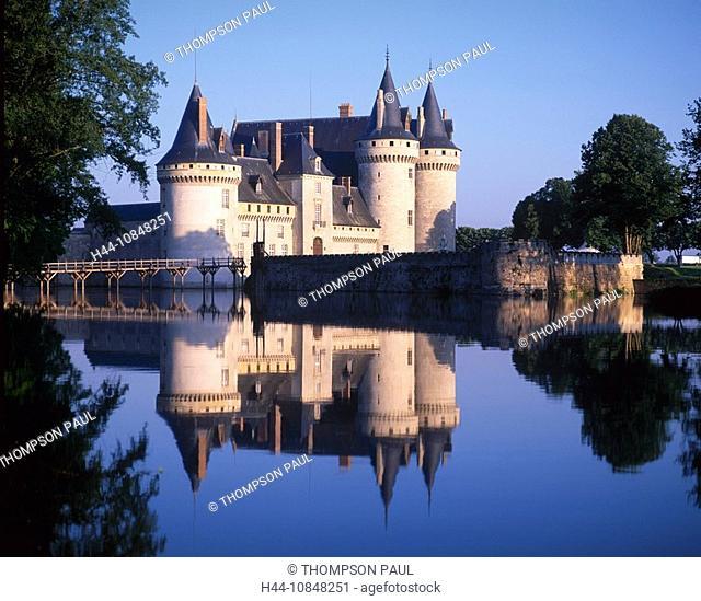 France, Europe, Chateau de Sully sur Loire, Loire Valley, river, Loiret, French, medieval, historical, architecture, b