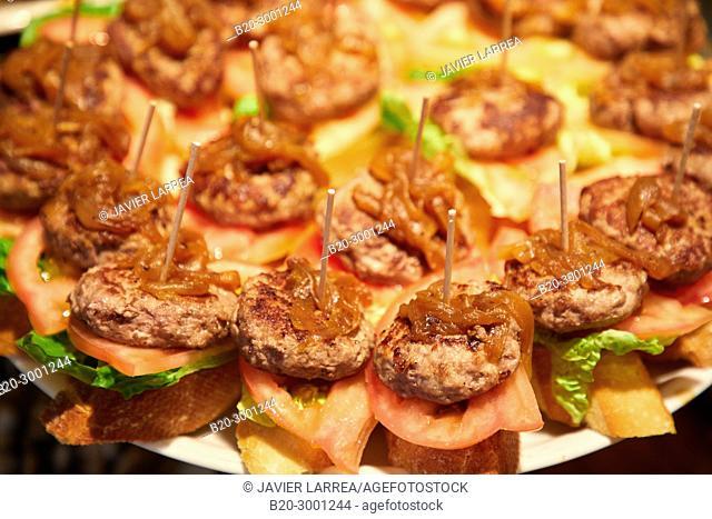 Mini Hamburgers, Pintxos, Bar Taberna Aralar, Parte Vieja, Old Town, Donostia, San Sebastian, Gipuzkoa, Basque Country, Spain