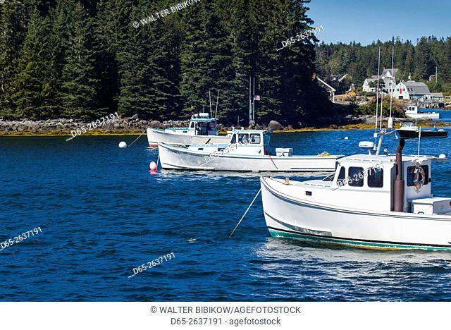USA, Maine, Port Clyde, lobster boats