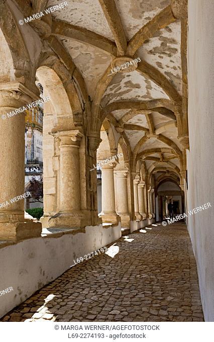 Cloister in Templar Castle, Castelo dos Templários, Tomar, Santarém, Portugal, Europe