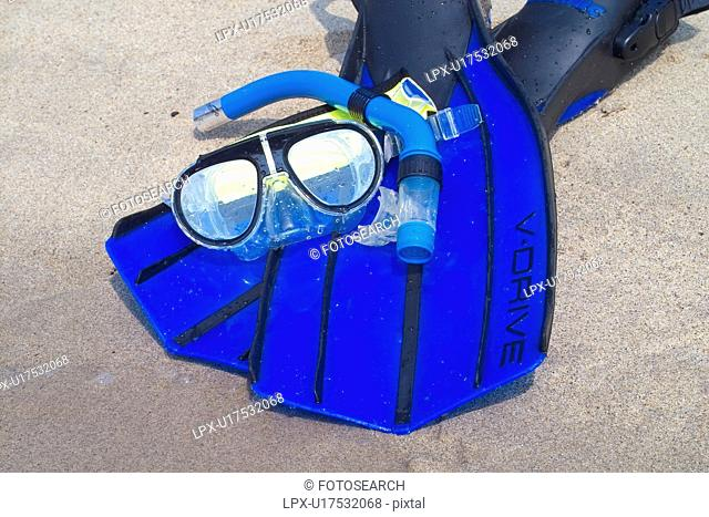 leports, goggles, leisure sports, sport supply, swimminggoggles, skindiving, swimming