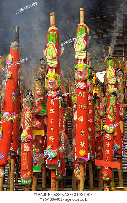 giant candles offered for merit , Vegetarian festival at San Jao Sieng Kong shrine , wat sung heng yee, Chinatown , Bangkok