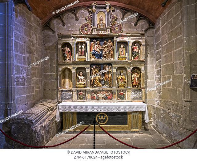 Sepulcro de Gabriel de Palacio y Retablo de las reliquias. Catedral del Salvador de Santo Domingo de la Calzada. La Rioja. Spain
