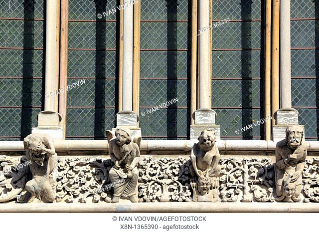 Gargoyles on facade of cathedral Notre Dame, Dijon, Côte-d'Or departement, Burgundy, France