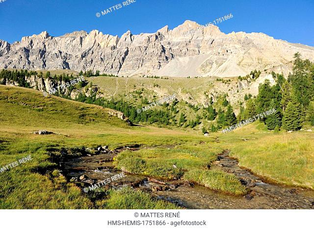 France, Hautes Alpes, near Ceillac, Lac Miroir (2214 m), regional natural park of Queyras