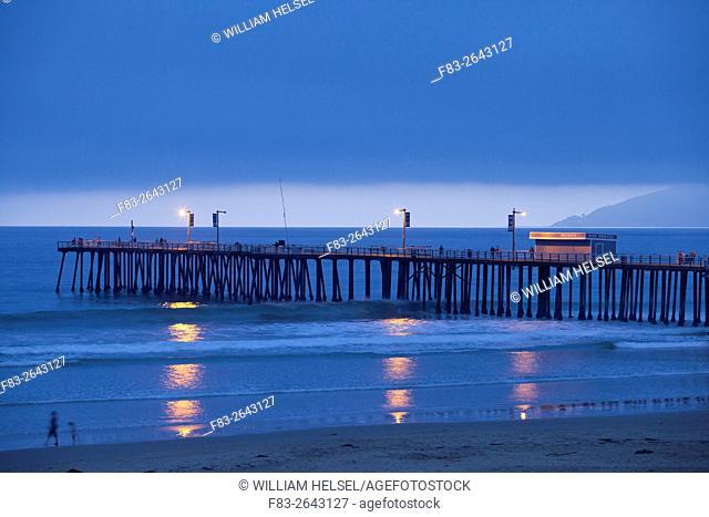 Public pier, Pismo Beach, San Luis Obispo County, CA, USA, dusk