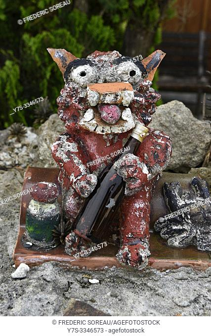 Shisa lion statue to protect the house from the bad spirits, Yaeyama islands, Taketomi island, Japan, Asia