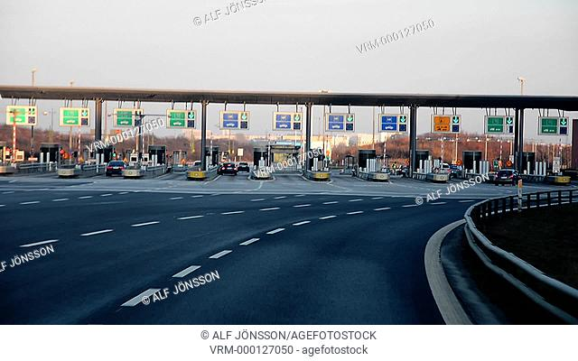 Road toll station