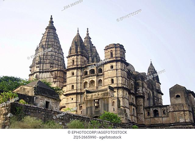 Outer view of Chaturbhuj Temple, Orchha, The town was established by Rudra Pratap Singh some time after 1501, Betwa River, Orchha, Madhya Pradesh, India