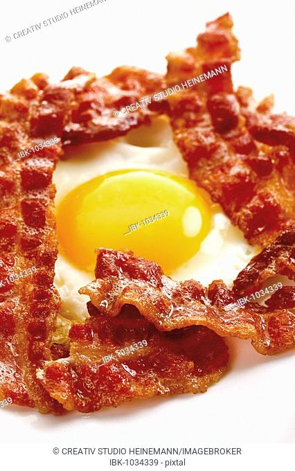 Breakfast bacon and a fried egg