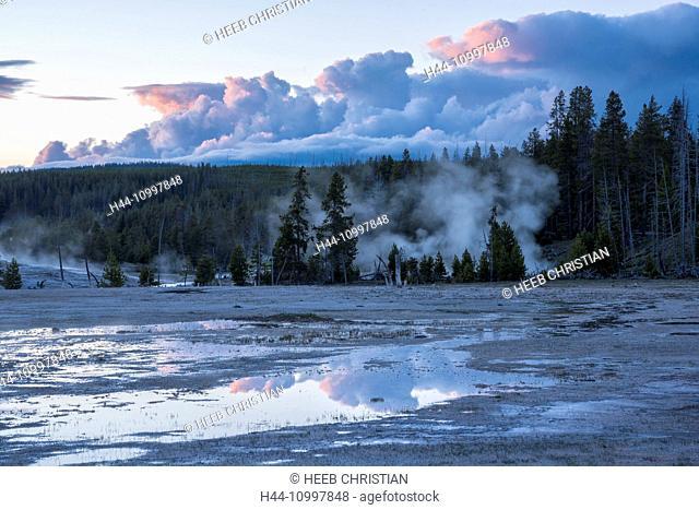 USA, Rocky Mountains, Wyoming, Yellowstone, National Park, UNESCO, World Heritage, Upper Geyser, basin geyser, geyser