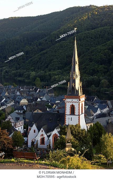 Blick von Nordwesten, Turmhelm vor Moseltal