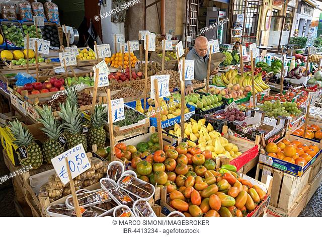 Market stand selling fruit, Ballaro Market, Palermo, Sicily, Italy