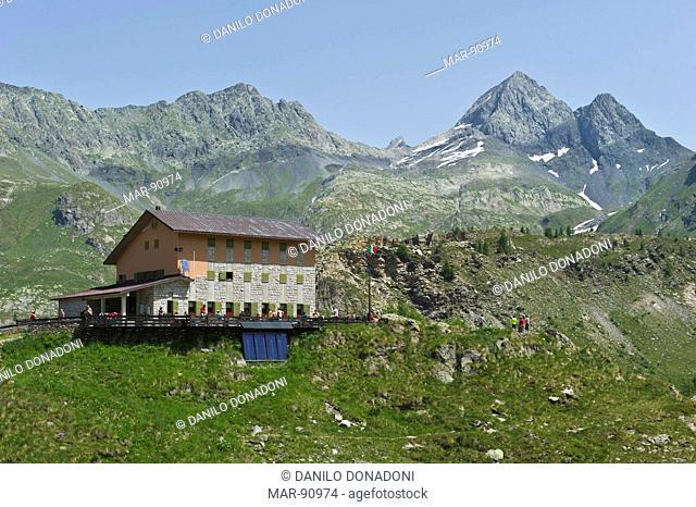 calvi mountain refuge and pizzo diavolo di tenda, carona, italy