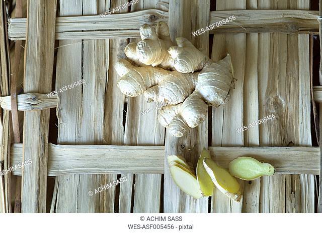 Ginger root, Zingiberis rhizoma, and slices