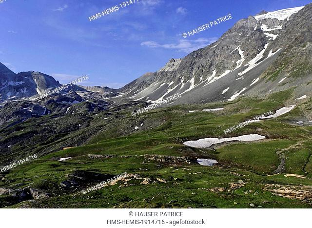 France, Savoie, Vanoise mountains, Parc National de la Vanoise (Vanoise National Park), landscape around the GR55