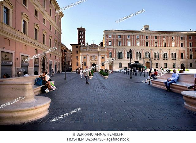 Italy, Latium, Rome, Piazza San Silvestro, listed as World Heritage by UNESCO